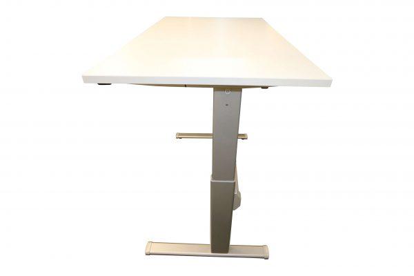 Actiforce Schreibtisch lichtgrau elektrisch höhenverstellbar hochgefahren Seitenansicht