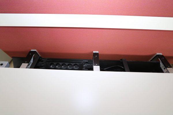 Bene Schreibtisch komplett weiss mit Trennwand Offen Kabelkanal