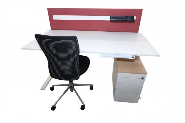 Bene Schreibtisch komplett weiss mit Trennwand Kombinationsvorschlag