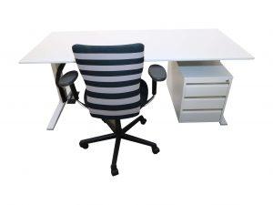 Bene Schreibtisch weiss mit grauer Kante silber Gestell kombinationsvorschlag