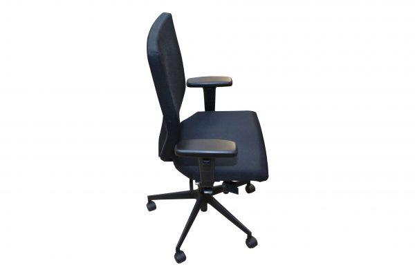 Blaha Twist Bürodrehstuhl mit Synchronmechanik schwarz Seitenansicht