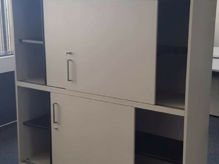 Schiebetürenschränke im An- und Verkauf der idealbüro GmbH