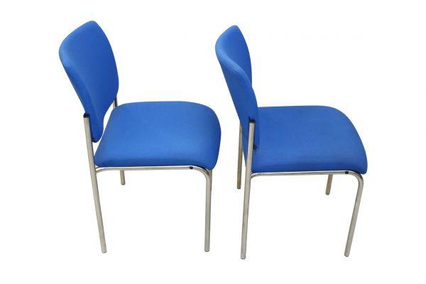Dauphin Besprechungsstuhl Blau seitlich