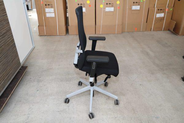 Dauphin Bürodrehstuhl mit Netzrücken Schwarz Seitensicht
