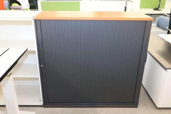 FM Büromöbel Highboard anthrazit Deckseite wählbar - kirschbaum Frontalaufnahme
