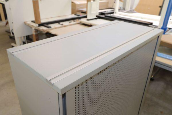 Gesika Sideboard mit Akustikquerrollo grau 3 OH Ansicht von oben