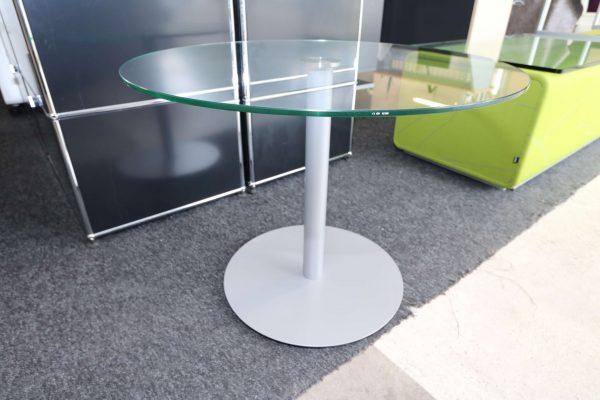 Glastisch rund mit silbergrauem Fuß von weiten
