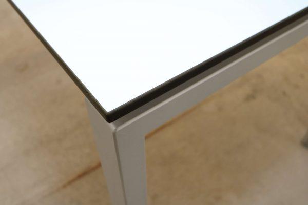Hali Komplettarbeitsplatz arcticwhite Tisch Tischkante