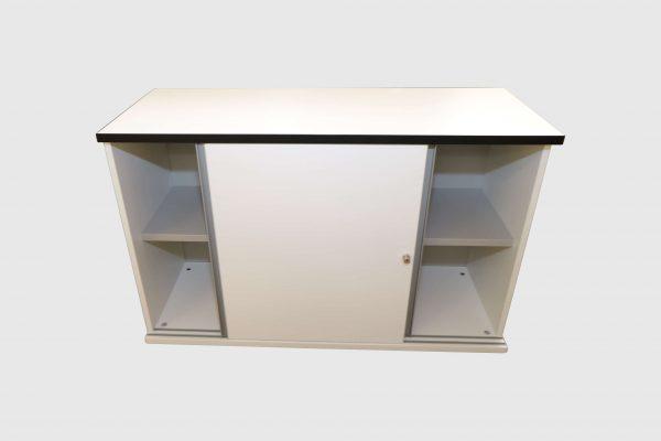 Hali Sideboard weiß schwarze Kante 2OH 120 cm geöffnete Ansicht