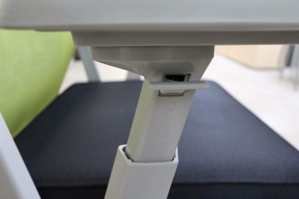 Haworth Comforto 59 Drehstuhl mit Netzrücken schwarz grün Höhenverstellung