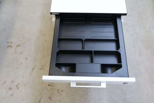 Haworth Standcontainer Weiß mit Schwarzer Kante Stiftlade