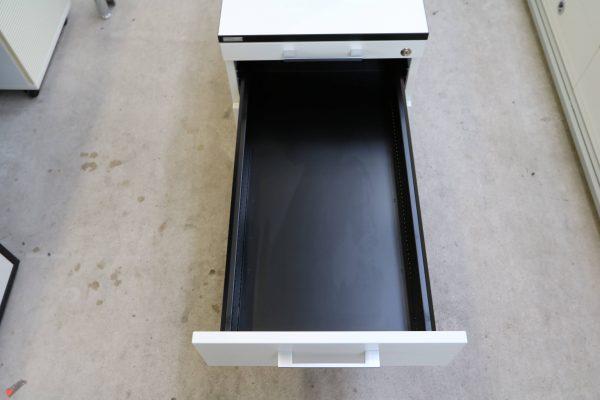 Haworth Standcontainer Weiß mit Schwarzer Kante zweite Lade