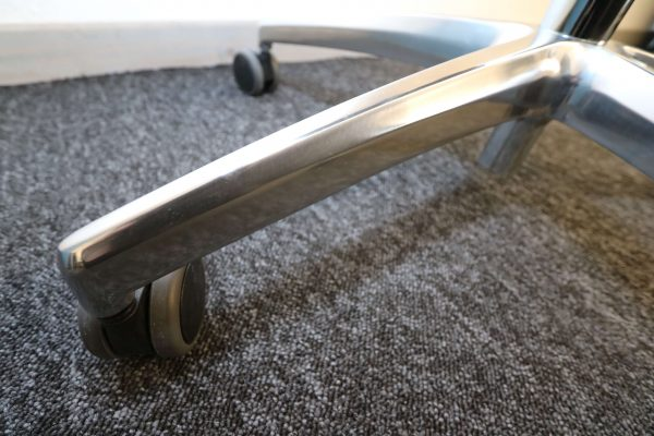 ib Big Schwerlaststuhl Stuhlkreuz aus poliertem Aluminum