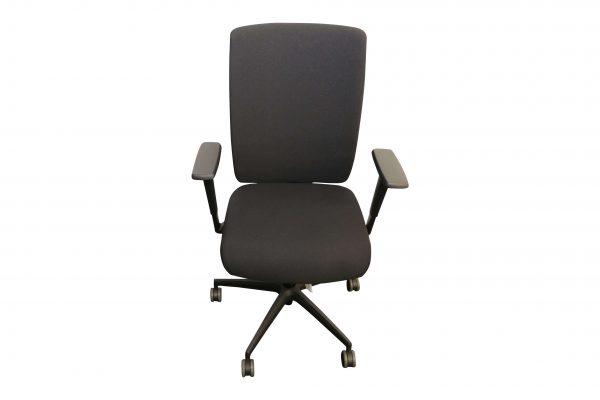 ib Business - ergonomischer Bürostuhl mit schwarzem Stuhlkreuz frontale Aufsicht