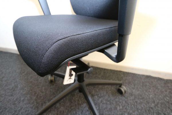 ib Business - ergonomischer Bürostuhl mit schwarzem Stuhlkreuz Sitzpolster