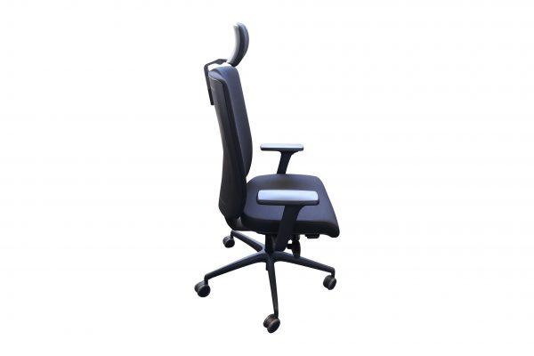 ib Business - ergonomischer Bürostuhl mit Kopfstütze freigestellte Darstellung