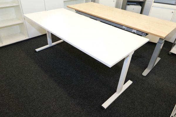 ib Multisize Weiß 180x80 cm elektrisch höhenverstellbarer Tisch Schrägansicht heruntergefahren