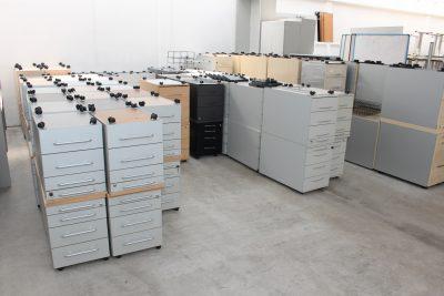 Rollcontainerbereich im Lager der idealbüro