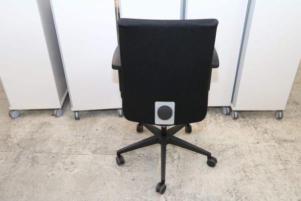 Interstuhl Bürodrehstuhl schwarz Blick von hinten