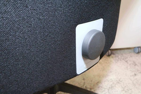 Interstuhl Bürodrehstuhl schwarz Detail für die Höhenverstellung der Rückenlehne