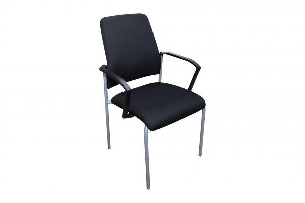 nterstuhl Goal schwarz gebraucht 4 Fuß Stuhl Schrägansicht