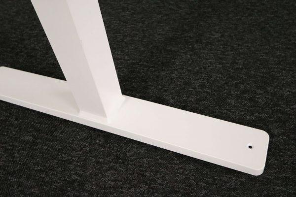 Kinnarps Serie P weiß Schreibtisch elektrisch höhenverstellbar Fuß