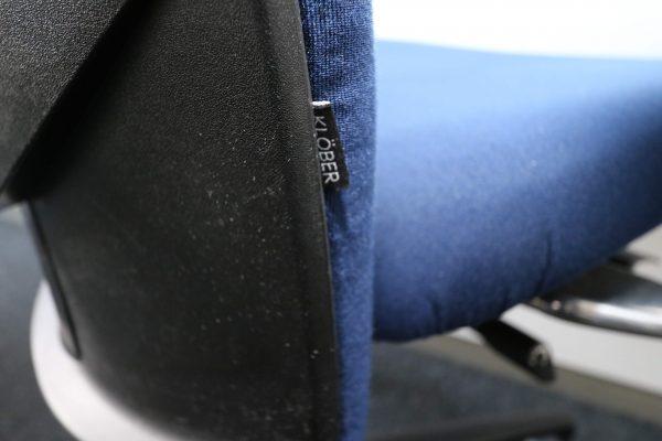 Klöber Bürodrehstuhl blau Einnäher