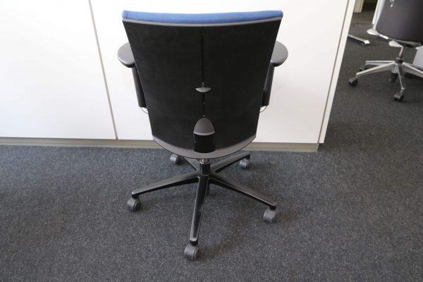 Klöber Bürodrehstuhl blau Rückansicht