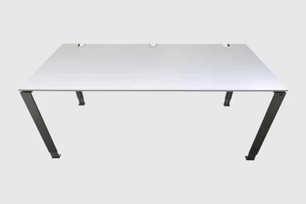 König und Neurath Do it 4 Schreibtisch weiß 180 x 80 cm Rückansicht