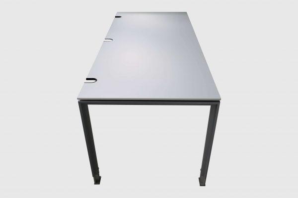 König und Neurath Do it 4 Schreibtisch weiß 180 x 80 cm Seitenansicht