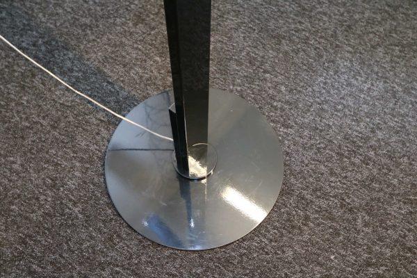 Luxit Top Ten Floor schwarz Designer Standlampe Detail Standfuß LED Lampe
