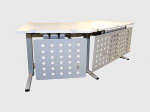 Oka Winkeltisch elektrisch höhenverstellbar mit Sichtschutz heruntergefahren Schrägansicht