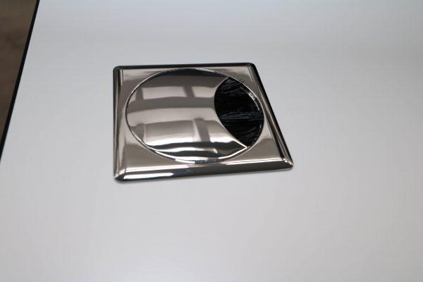 Palmberg Caldo Schreibtisch weiß mit Multiplexkante Kabeldurchlass 1