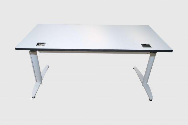 Palmberg Caldo Schreibtisch weiß mit Multiplexkante Rückansicht