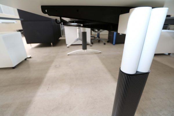 Palmberg Palmega Schreibtisch weiß Mustermöbel Kabelkanal