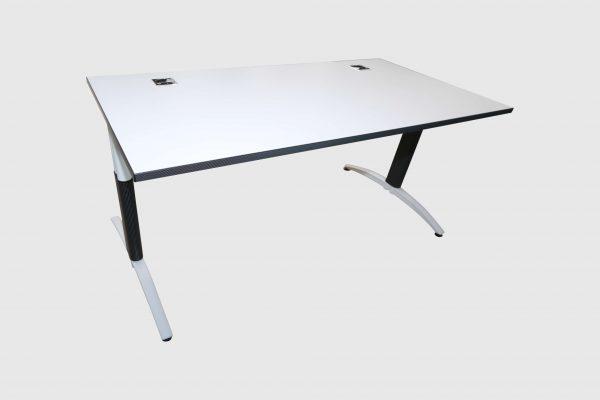 Palmberg Palmega Schreibtisch weiß Mustermöbel Schrägansicht