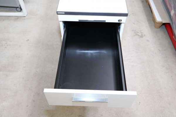 Palmberg Standcontainer weiß mit schwarzer Kante oberste Schublade
