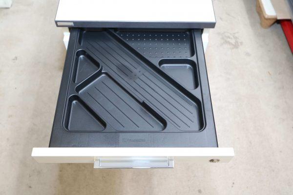 Palmberg Standcontainer weiß mit schwarzer Kante Stiftschublade