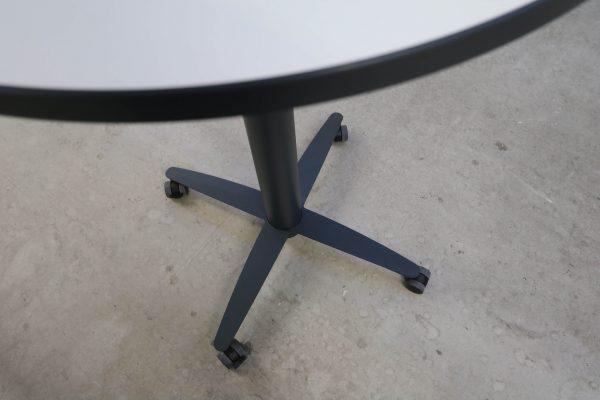 Palmberg Steh-Sitz-Tisch weiß schwarze Kante - hydraulisch höhenverstellbar Fuß