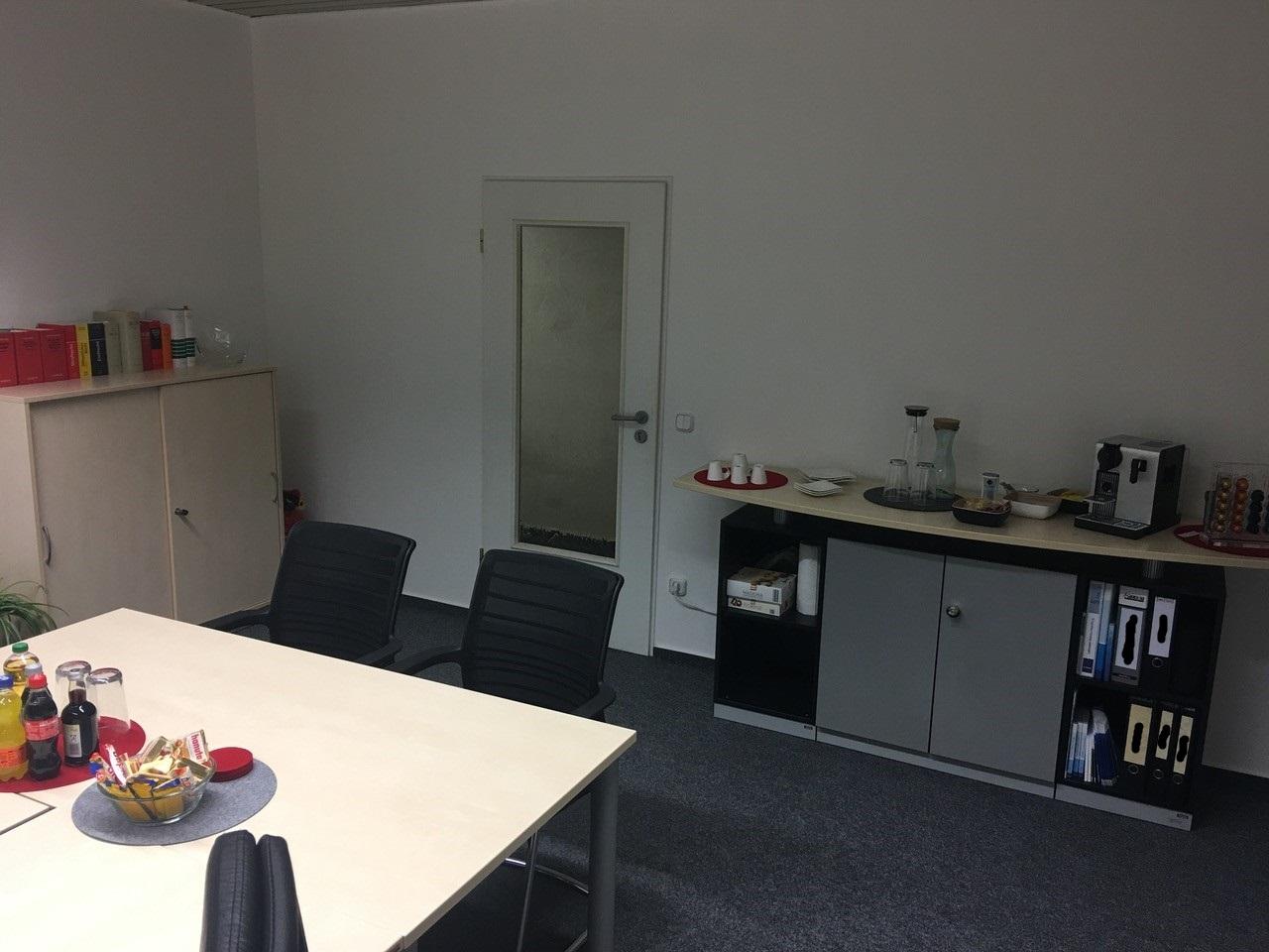 weitere Ansicht des Büros der Secjura GmbH möbliert von der idealbüro GmbH