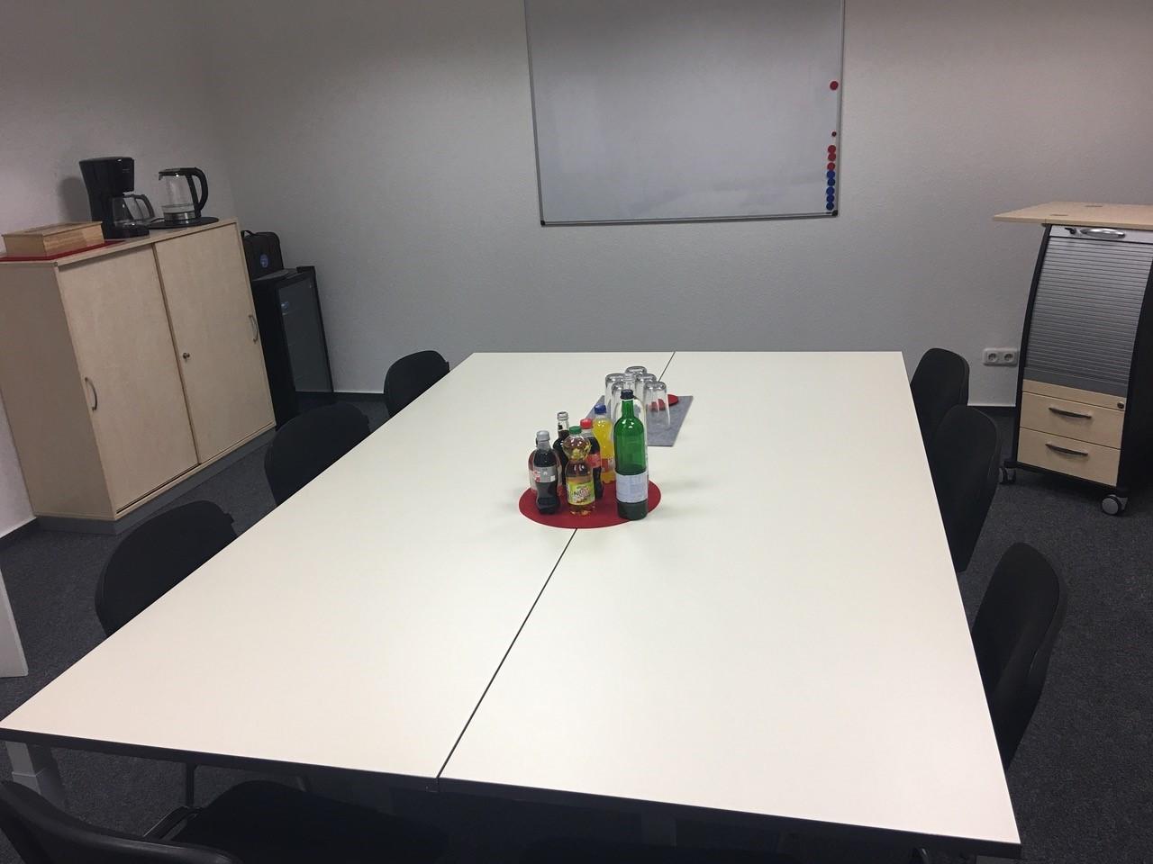 Secjura Besprechungsraum geleifert von der idealbüro GmbH