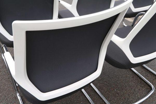 Sedus Freischwinger Quaterback Weiß Schwarz 6 Stück QB233 Rückengestell weiß