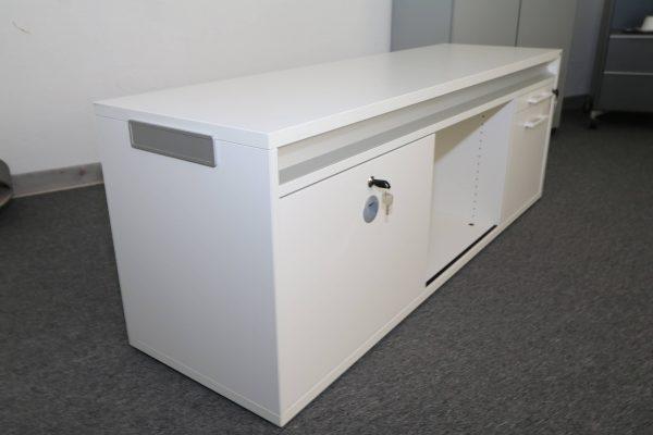 Sedus Lowboard in Weiss 160 cm Schrägansicht