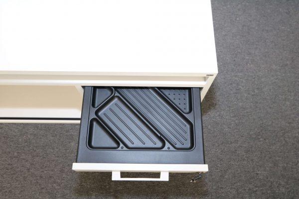 Sedus Lowboard in Weiss 160 cm Detail Stiflade