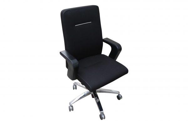 Sedus Of Course Schreibtischstuhl schwarz Mustermöbel Schrägansicht