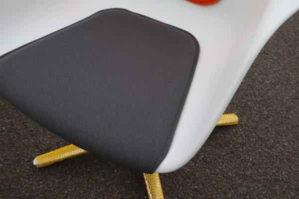Sedus On Spot weiß-grau-orange Besprechungsstuhl vier Stück im Paket Sitzpolster