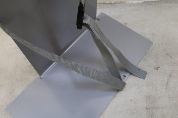Sedus PC-Gehäusehalter versch. Farben in grau mit langem Boden Detail unten