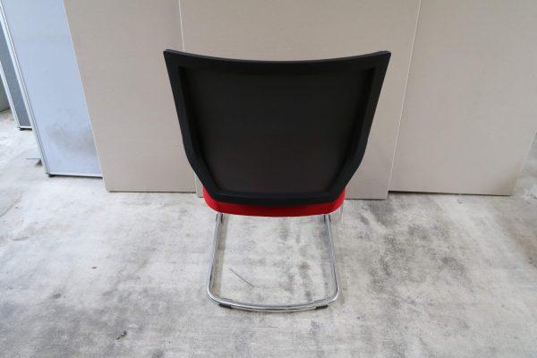 Sedus Quaterback QB-233 Freischwinger Musterstuhl Rot Schwarz Rückansicht