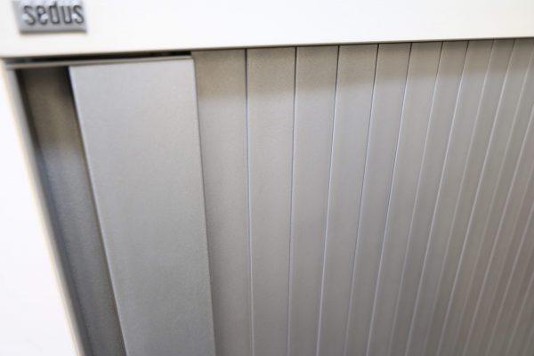 Sedus Querrollosideboard 3 OH Detailaufnahme Grifflleiste