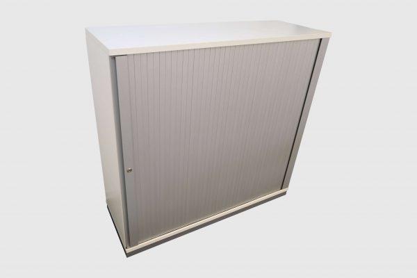Sedus Querrollosideboard 3 OH freigestellte Darstellung kurzes Board